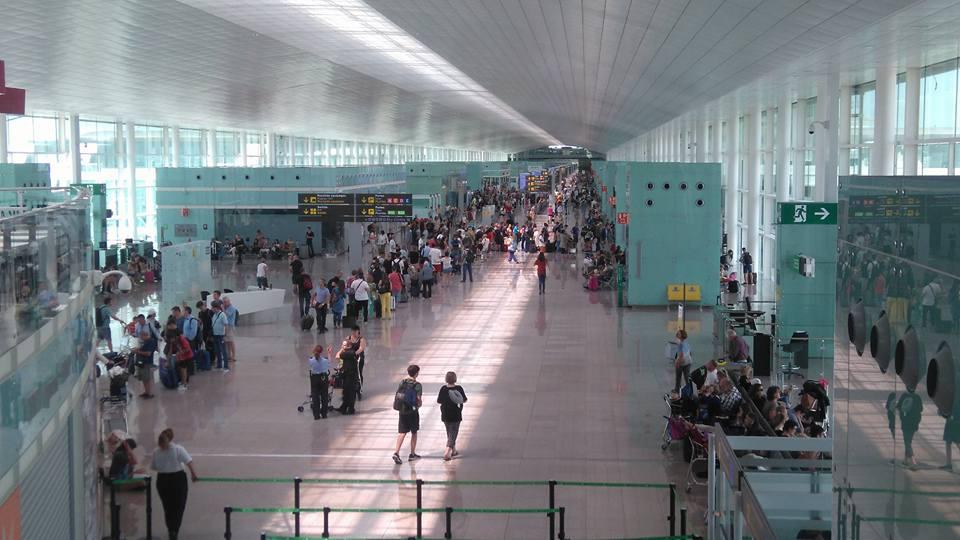 DERECHOS DE LOS PASAJEROS EN EL TRANSPORTE AÉREO